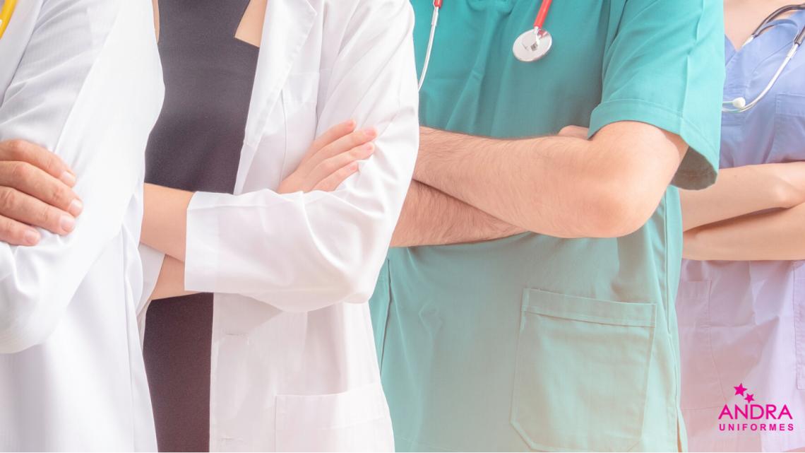 Uniformes da saúde e sua relevância para profissionais e pacientes